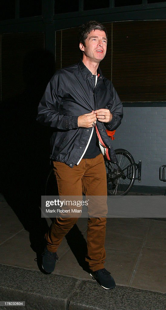 <a gi-track='captionPersonalityLinkClicked' href=/galleries/search?phrase=Noel+Gallagher&family=editorial&specificpeople=209146 ng-click='$event.stopPropagation()'>Noel Gallagher</a> leaves the Groucho club on August 27, 2013 in London, England.