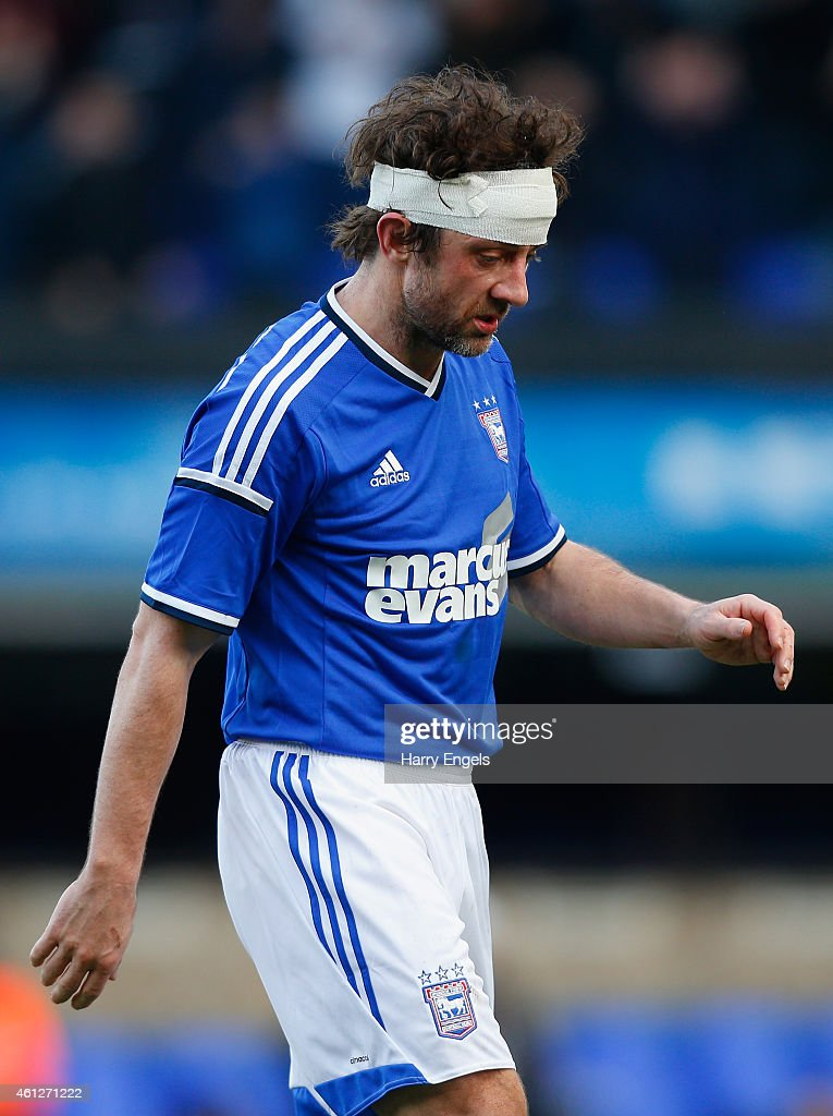 <a gi-track='captionPersonalityLinkClicked' href=/galleries/search?phrase=Noel+Hunt&family=editorial&specificpeople=3580775 ng-click='$event.stopPropagation()'>Noel Hunt</a> of Ipswich Town walks off the pitch at the end of the Sky Bet Championship match between Ipswich Town and Derby County at Portman Road on January 10, 2015 in Ipswich, England.