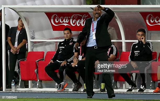 Noel Sanvicente head coach of Venezuela shouts instructions to his players during a match between Peru and Venezuela as part of FIFA 2018 World Cup...