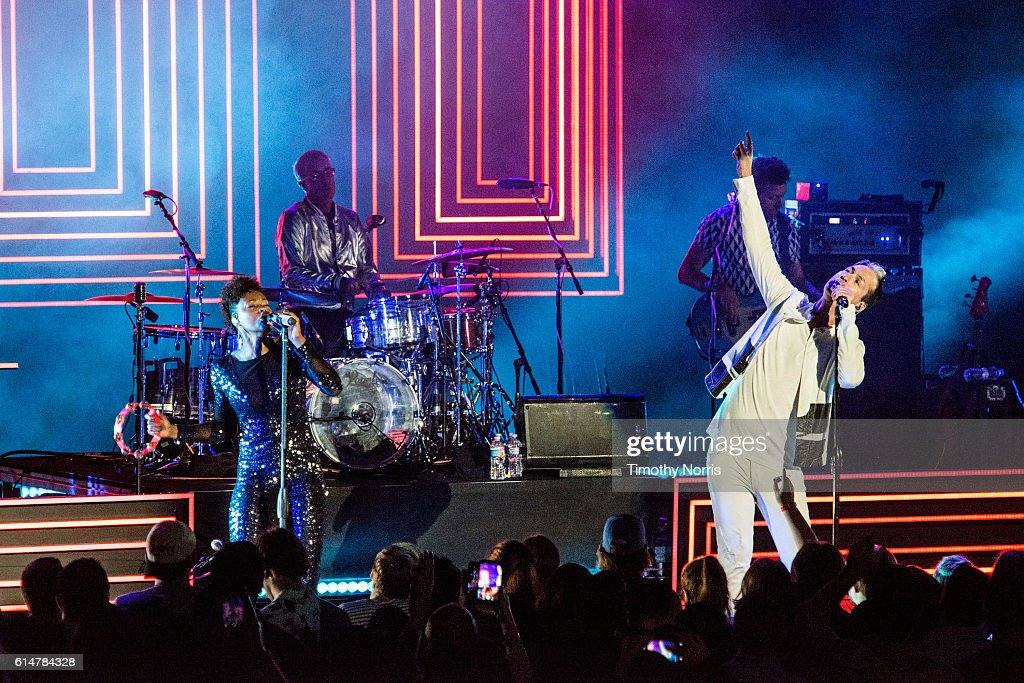 Noelle Scaggs and Michael Fitzpatrick of Fitz and The Tantrums perform at The Greek Theatre on October 14, 2016 in Los Angeles, California.