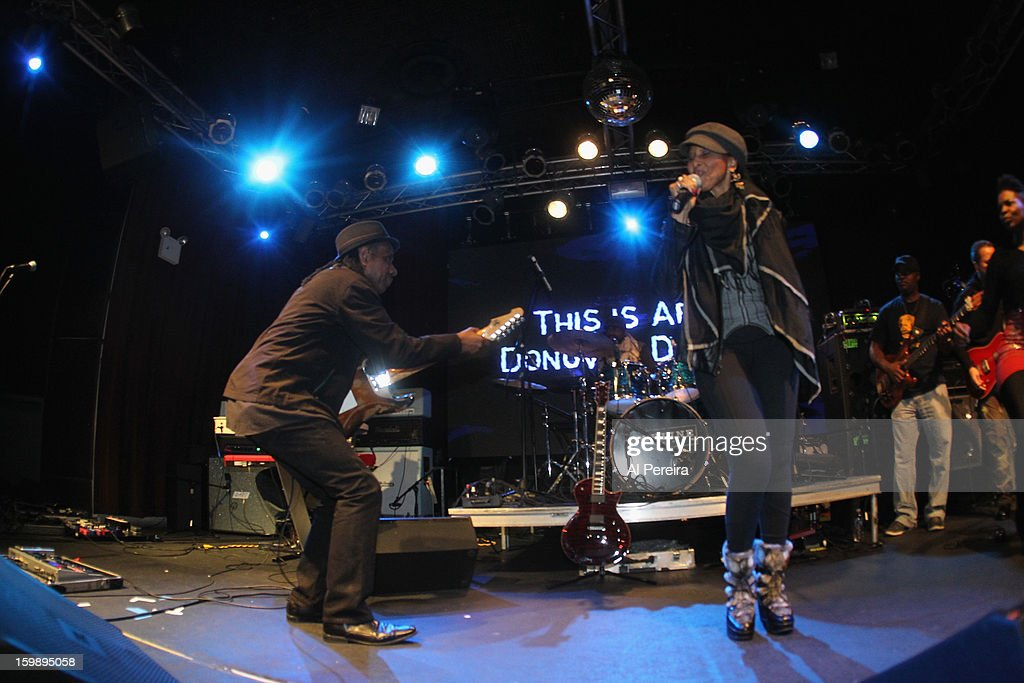 <a gi-track='captionPersonalityLinkClicked' href=/galleries/search?phrase=Nona+Hendryx&family=editorial&specificpeople=790013 ng-click='$event.stopPropagation()'>Nona Hendryx</a> joins Guitarist Ronny Drayton onstage during The Million Man Mosh II at the Highline Ballroom on January 21, 2013 in New York City.