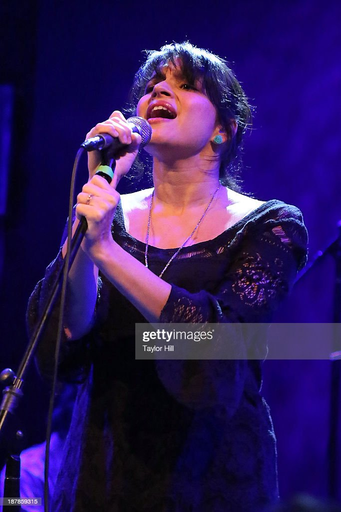 <a gi-track='captionPersonalityLinkClicked' href=/galleries/search?phrase=Norah+Jones&family=editorial&specificpeople=203151 ng-click='$event.stopPropagation()'>Norah Jones</a> performs during Dylan Fest NYC 2013 at the Bowery Ballroom on November 12, 2013 in New York City.