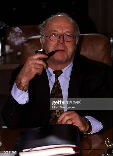 Norbert BLUEM Federal Minister of Labour and Social Affairs during a cabinet meeting at the Federal Chancellery He smokes a pipe
