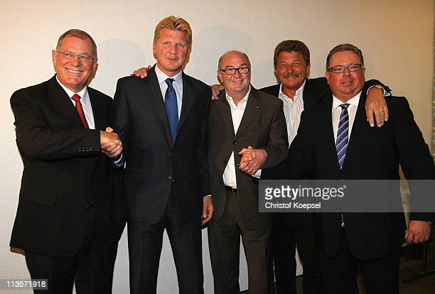 Norbert Kox Stefan Effenberg Horst Koeppel Martin Schmuck and Georg Hendricks of the initiative Borussia pose before the press conference of the...