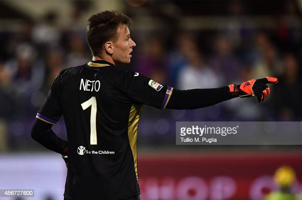 Norberto Murara Neto goalkeeper of Fiorentina in action during the Serie A match between ACF Fiorentina and FC Internazionale Milano at Stadio...