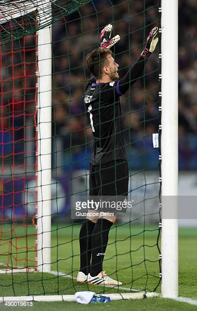 Norberto Murara Neto of ACF Fiorentina in action during the TIM Cup final match between ACF Fiorentina and SSC Napoli at Olimpico Stadium on May 3...