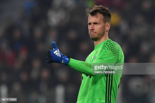 Norberto Murara Neto of Juventus FC gestures during the TIM Cup match between Juventus FC and SSC Napoli at Juventus Arena on February 28 2017 in...