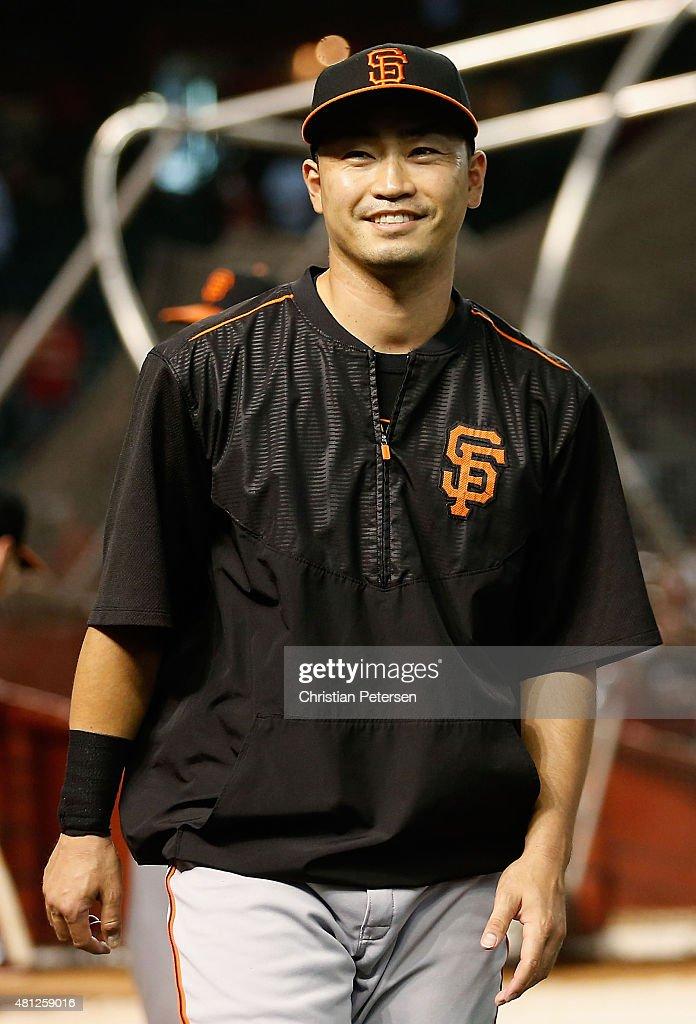 Nori Aoki #23 of the San Francisco Giants warms up before the MLB game against the Arizona Diamondbacks at Chase Field on July 18, 2015 in Phoenix, Arizona.