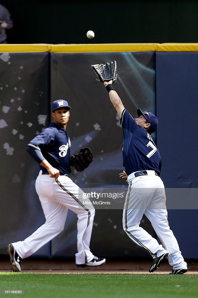 <a gi-track='captionPersonalityLinkClicked' href=/galleries/search?phrase=Norichika+Aoki&family=editorial&specificpeople=850957 ng-click='$event.stopPropagation()'>Norichika Aoki</a> #7 of the Milwaukee Brewers makes the catch in right center field to retire Josh Harrison of the Pittsburgh Pirates during top of the 5th inning at Miller Park on September 02, 2012 in Milwaukee, Wisconsin.