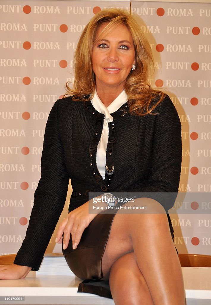 Norma Duval attends the reopening of 'Punto Roma' shop on March 10 2011 in Oviedo Spain