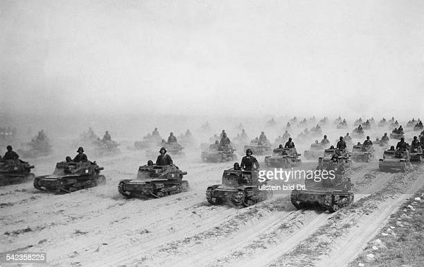 2WW North Africa ItalianLibyadeployment of light armoured cars CV33 in the Cyrenaika May/June 1940
