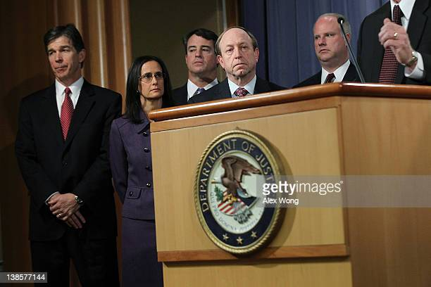 North Carolina Attorney General Roy Cooper Illinois Attorney General Lisa Madigan Maryland Attorney General Douglas Gansler Colorado Attorney General...