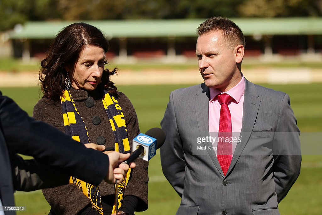North Sydney Mayor Jilly Gibson (L) and A-League CEO Damien De Bohun (R) speak to the media during a Central Coast Mariners A-League media announcement at North Sydney Oval on August 6, 2013 in Sydney, Australia.