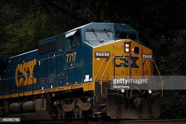 A northbound CSX Corp auto rack freight train passes through Bonnieville Kentucky US on Thursday Oct 1 2015 CSX Corp is scheduled to release...