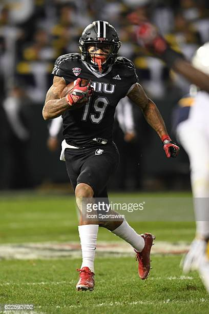 Northern Illinois Huskies wide receiver Kenny Golladay carries the ball in the second half during a MidAmerican Conference football game between the...