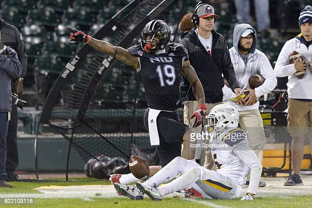 Northern Illinois Huskies wide receiver Kenny Golladay signals a first down after a reception in the 4th quarter during a MidAmerican Conference...