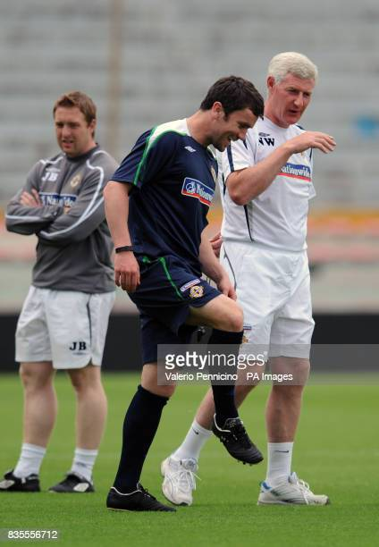 Northern Ireland's head coach Nigel Worthington and David Healy during a training session at the Arena Garibaldi Stadium Pisa Italy