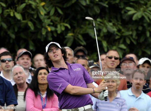 Northern Ireland's Rory McIlroy chips to the 18th green during Round 3 of the BMW PGA Championship at Wentworth Golf Club Surrey