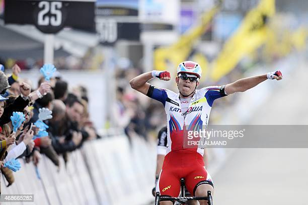 Norvegian Alexander Kristoff of Team Katusha celebrates after winning the 99th Tour of Flanders' one day 2642 kms cycling race from Brugge to...