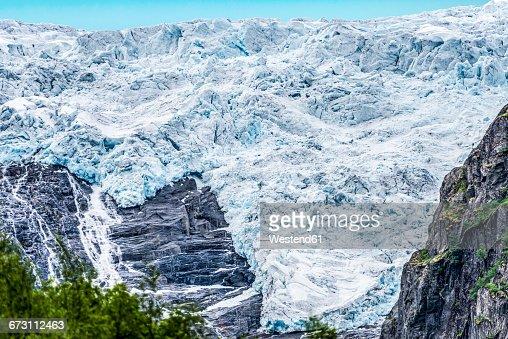 Norway, Sogn og Fjordane, Briksdalsbreen glacier in Oldedal, Jostedalsbreen National Park