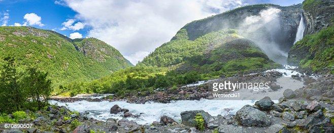 Norway, Sogn og Fjordane, Utladalen, Vettisfossen waterfall