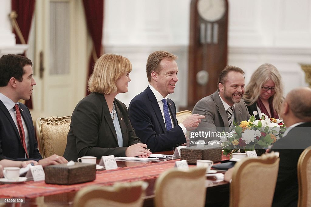 Norway's Foreign Minister Borge Brende (3rd L) and Indonesian President Joko Widodo(not seen) are seen during their meeting in the Presidential Palace in Jakarta, Indonesia on May 31, 2016. Brende is on a two-day visit to Indonesia to formally attend the dialogue and discuss bilateral ties between Norway and Indonesia.