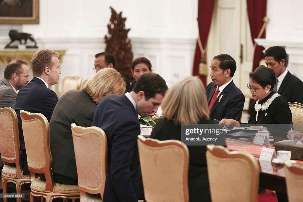 Norway's Foreign Minister Borge Brende (2nd L) and Indonesian President Joko Widodo (2nd R) are seen during their meeting in the Presidential Palace in Jakarta, Indonesia on May 31, 2016. Brende is on a two-day visit to Indonesia to formally attend the dialogue and discuss bilateral ties between Norway and Indonesia.