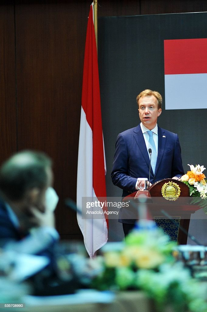 Norway's Foreign Minister Borge Brende delivers a speech during the IndonesiaNorway Human Rights Dialogue in Jakarta, Indonesia on May 30, 2016. Brende is on a two-day visit to Indonesia to formally attend the dialogue and discuss bilateral ties between Norway and Indonesia.