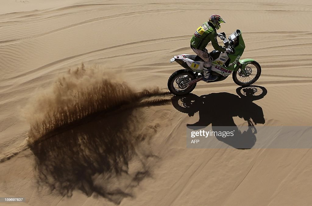 Norway's Pal Ullvalseter competes in the Stage 13 of the 2013 Dakar Rally between Copiapo and La Serena, in Chile, on January 18, 2013. The rally is taking place in Peru, Argentina and Chile from January 5 to 20. AFP PHOTO / JACKY NAEGELEN / POOL