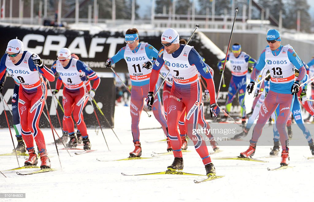 Norway's Petter Northug (C) and other skiers compete during the men's 15km cross country competition at the FIS Cross-Country World Cup in Falun, Sweden, on February 14, 2016. / AFP / TT News Agency / Maja Suslin/TT / Sweden OUT