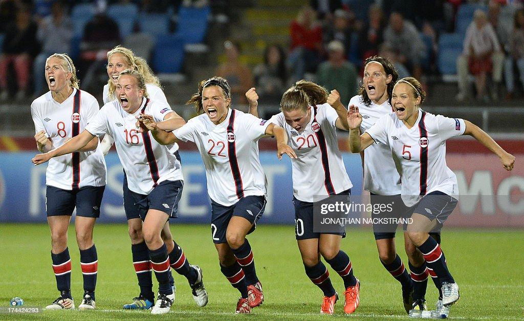 Norway's players celebrate after winning the penalty shootout of the UEFA Women's European Championship Euro 2013 semi final football match Norway vs Denmark on July 25, 2013 in Norrkoping, Sweden. Norway won the match 4-2 after penalties and will face Germany in the final on July 28, 2013. AFP PHOTO/JONATHAN NACKSTRAND