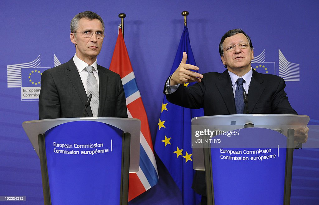 Norway's Prime Minister Jens Stoltenberg and European Commission President Jose Manuel Barroso give a joint press conference at the EU Headquarters in Brussels on February 22, 2013.