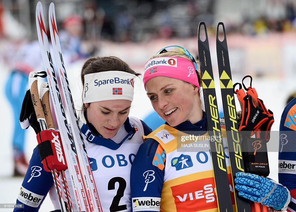 Norway's Therese Johaug (R, 1st) talks with her compatriot Heidi Weng (2nd) after the women's 10 km mass start competition at the FIS Cross-Country World Cup in Falun, Sweden, February 14, 2016. / AFP / TT News Agency / Maja SUSLIN / Sweden OUT