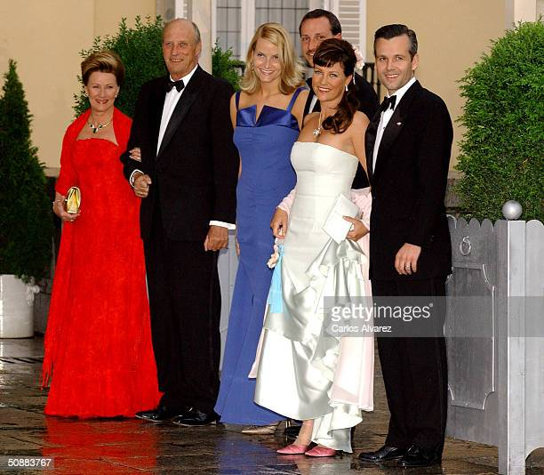 Norwegian Crown Prince Haakon and his wife Crown Princess MetteMarit poses for a picture with King Harald V Queen Sonja Princess Martha Louise and...