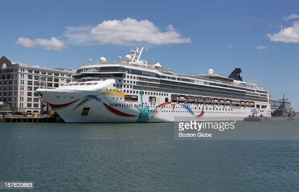 Norwegian Cruise Lines employees unload thousands of passengers Within a matter of hours the crew cleans/restocks and loads up thousands of new...