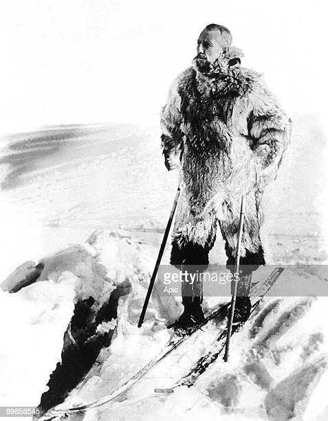 Norwegian explorer Roald Amundsen on the road towrds Antarctic c 1911