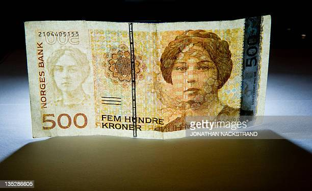 Norwegian five hundred Crowns currency banknote pictured in Stockholm on December 8 2011 in Stockholm AFP PHOTO / JONATHAN NACKSTRAND