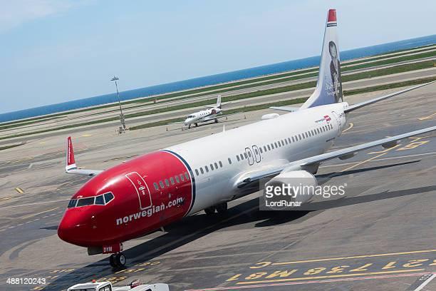 Norwegian.com airline airplane