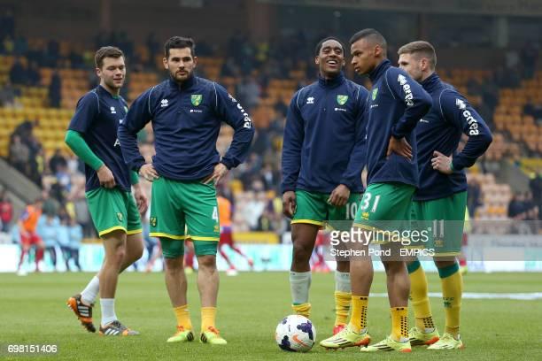 Norwich City's Jonny Howson Bradley Johnson Leroy Fer Josh Murphy and Gary Hooper warm up before kick off