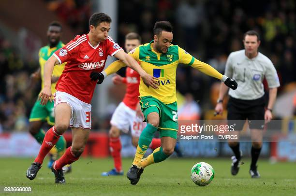 Norwich City's Nathan Redmond and Nottingham Forest's Tyler Walker compete for the ball