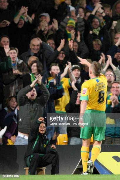 Norwich City's Sammy Clingan gestures towards the Norwich fans after a mistake by Wolverhampton Wanderers goalkeeper Carl Ikeme gifts him a goal