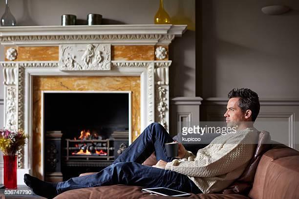 Rien n'est plus relaxant, assis près de la cheminée