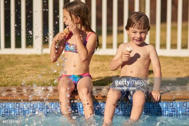 Nichts sagt Sommer wie Schwimmbad Spaß