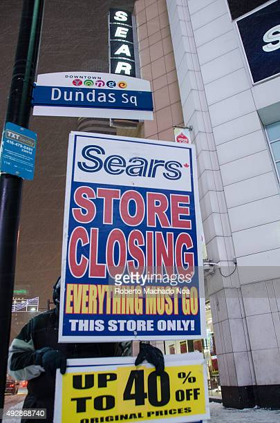 Notice board outside the Sears store at Dundas square offering upto 40% discount due to store closing Sears Canada Inc is a retailer headquartered in...