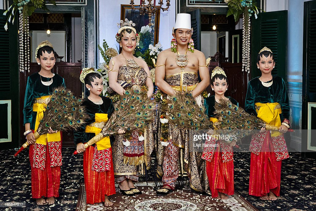 Notonegoro and Gusti Kanjeng Ratu Hayu pose for a photograph during their wedding ceremony in Bangsal Kesatriyan at Kraton Palace on October 22, 2013 in Yogyakarta, Indonesia. The Royal Wedding Held For Sultan Hamengkubuwono X's Daughter Gusti Ratu Kanjeng Hayu And KPH Notonegoro. Wedding celebrations will take place October 21-23 October. The wedding parade will include 12 royal horse drawn carriages and will be streamed live on the internet so that it can be watched by people all over the world.
