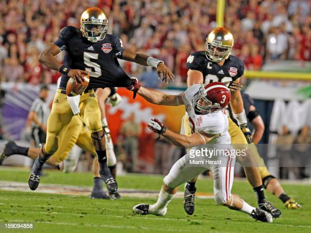 ... Everett Golson is pulled by the jersey by Alabamas Vinnie Sunseri in  the More from SB Nation college football 2016 NFL San Francisco 49ers Game  ... 9062cc41a