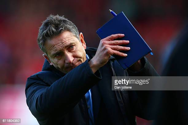 Nottingham Forest manager Philippe Montanier applauds the fans as he walks off the pitch after the Sky Bet Championship match between Bristol City...