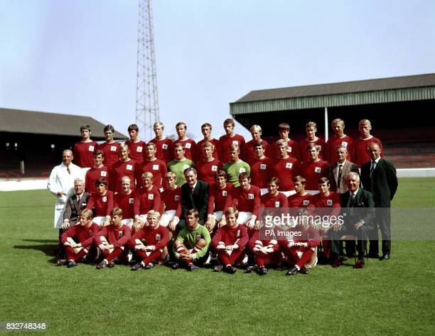 Nottingham Forest team group and staff Sorella Pegran Graham Collier White John Piekalnietis Rimshaw Raymond Bridgett Leonard Harris Duncan McKenzie...