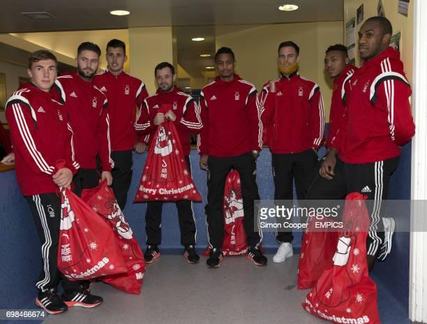 Nottingham Forest's Ben Osborn Henri Lansbury Karl Darlow Andy Reid Michael Mancienne Danny Fox Britt Assombalonga and Michail Antonio during a...