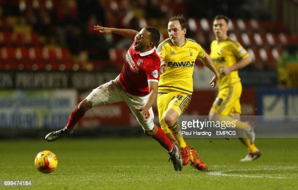 Nottingham Forest's David Vaughan and Charlton Athletic's Jordan Cousins